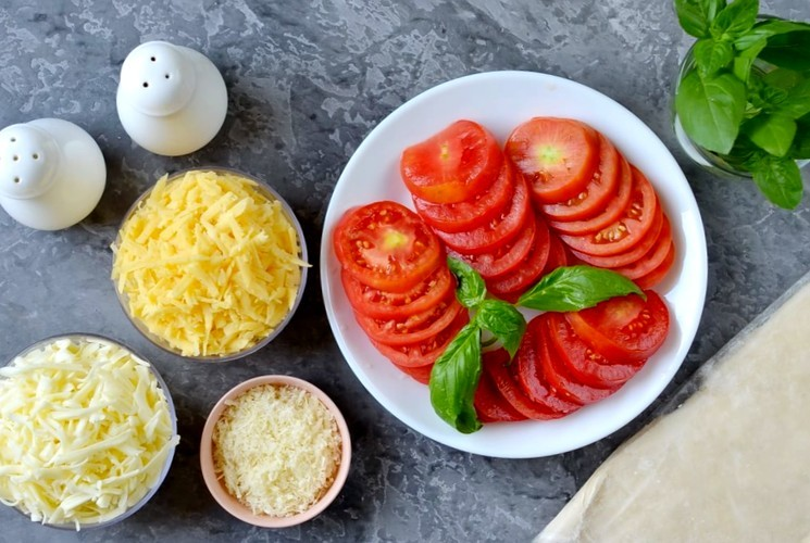 Ингредиенты для приготовления открытого пирога с начинкой