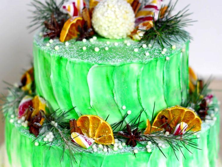 Двухъярусный новогодний торт