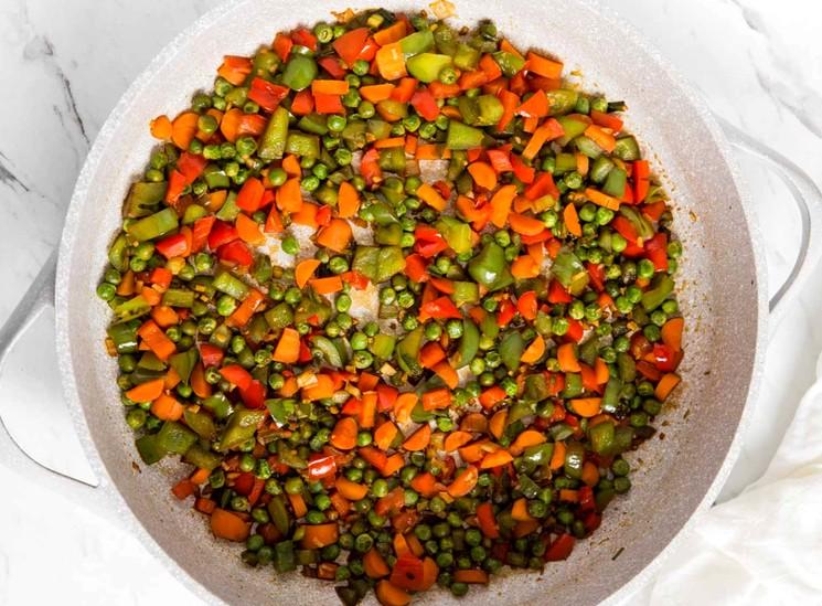 Гарнир из риса с овощами - приготовление