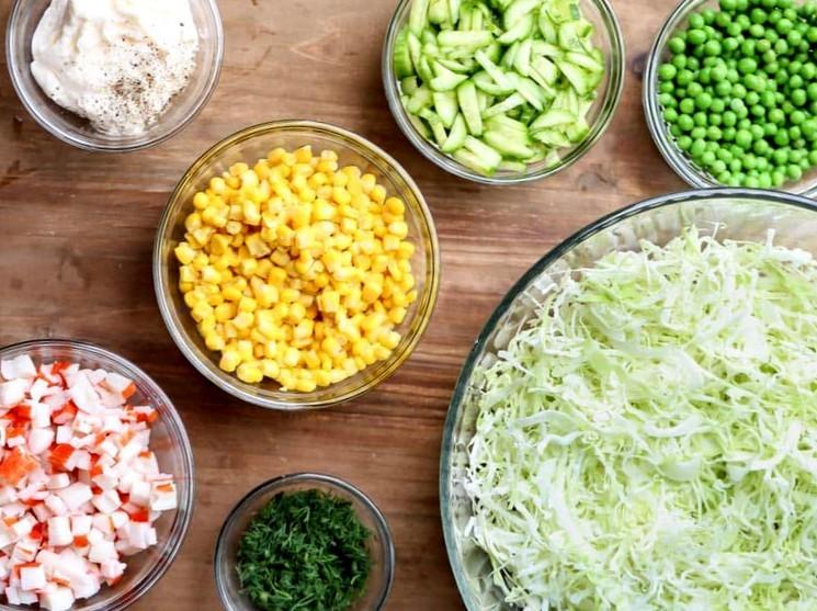 Ингредиенты для приготовления салата с пекинской капустой
