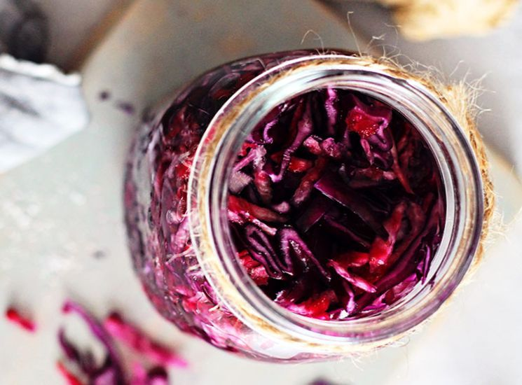 Как приготовить капусту со свеклой - рецепт