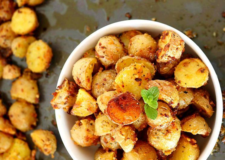 Секрет приготовления хрустящей картошки в духовке