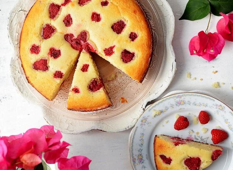 Как приготовить пирог с малиной - простой пошаговый рецепт