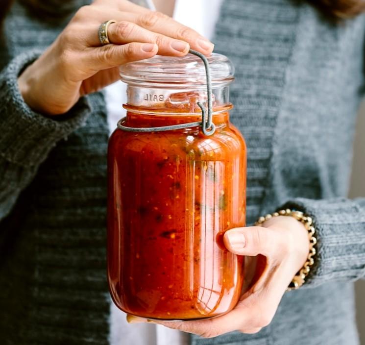 Как приготовить томатную пасту с базиликом