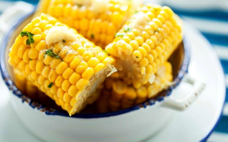 Как правильно готовить кукурузу в микроволновке?