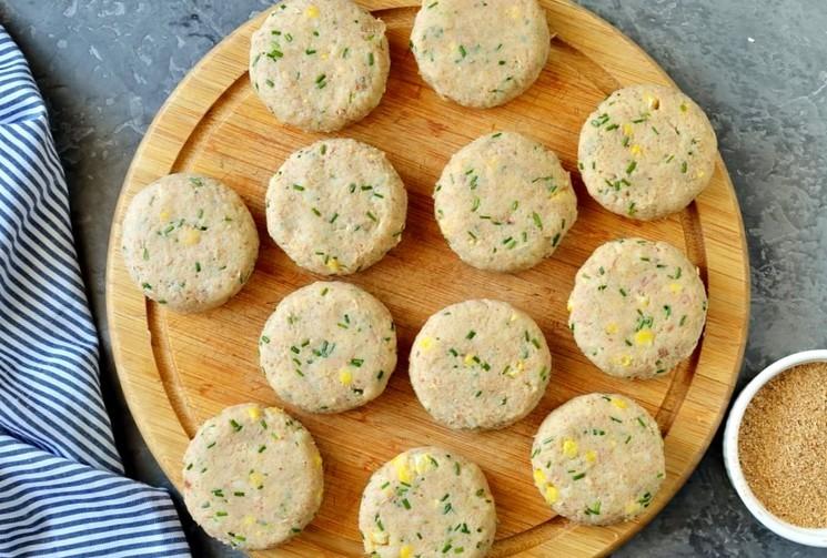 Рецепт картофельно-рыбных котлет шаг 5