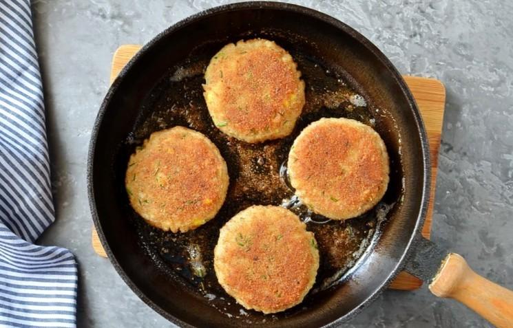 Рецепт картофельно-рыбных котлет шаг 8