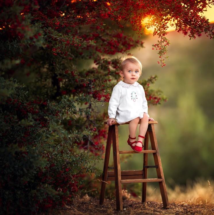 Красивая осенняя фотосессия для ребёнка - девочка