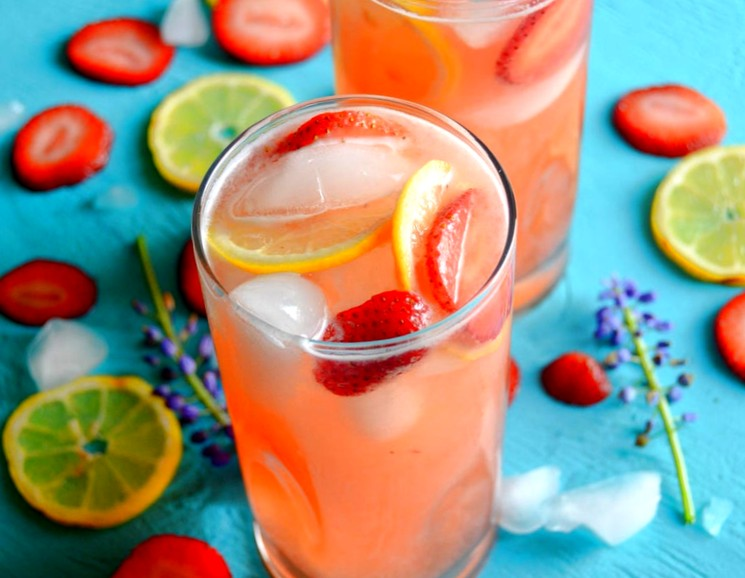 Лимонад с клубникой - домашний рецепт