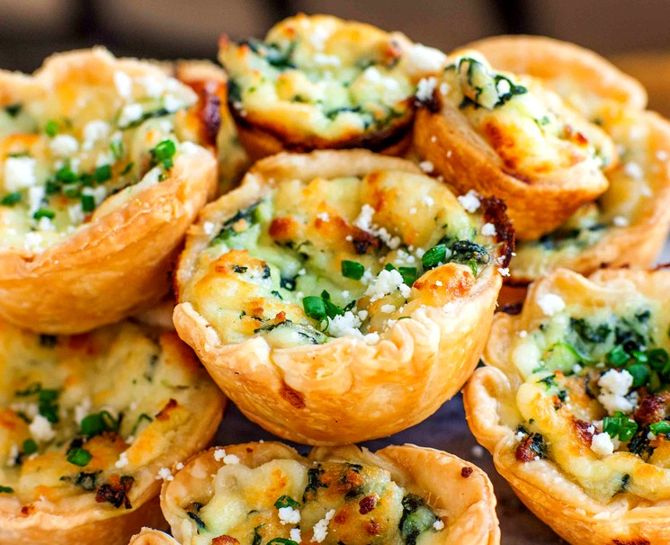 Тарталетки с сыром и с фетой