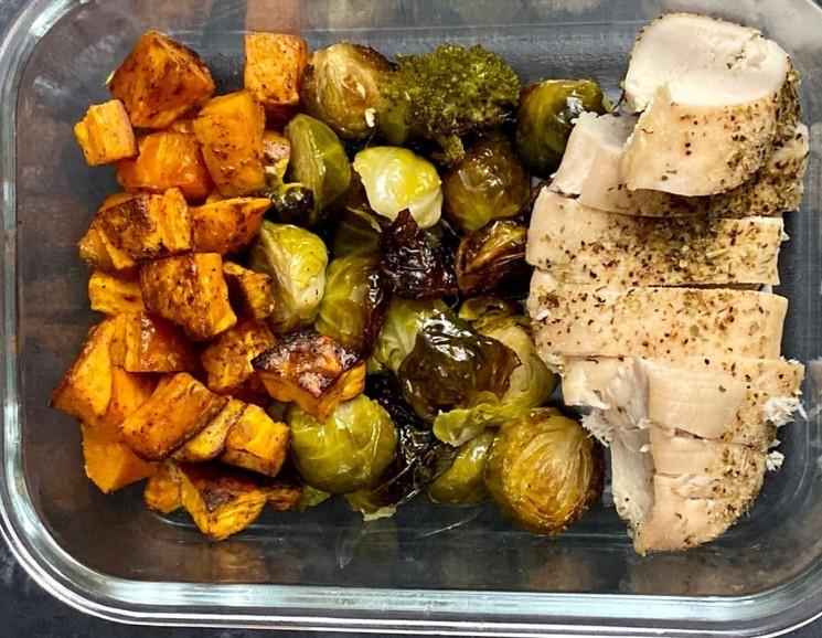 Как приготовить вкусный ужин из курятины и овощей