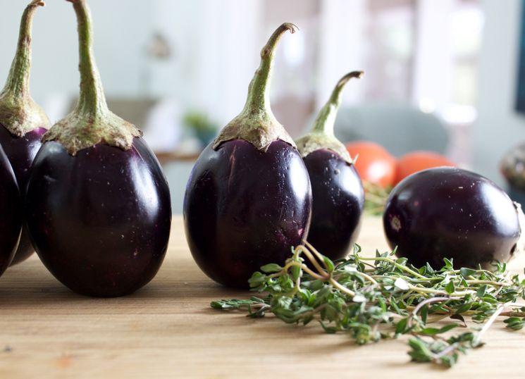 Ингредиенты для приготовления салата из баклажан