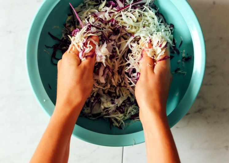 Рецепт квашеной капусты со свёклой и имбирём