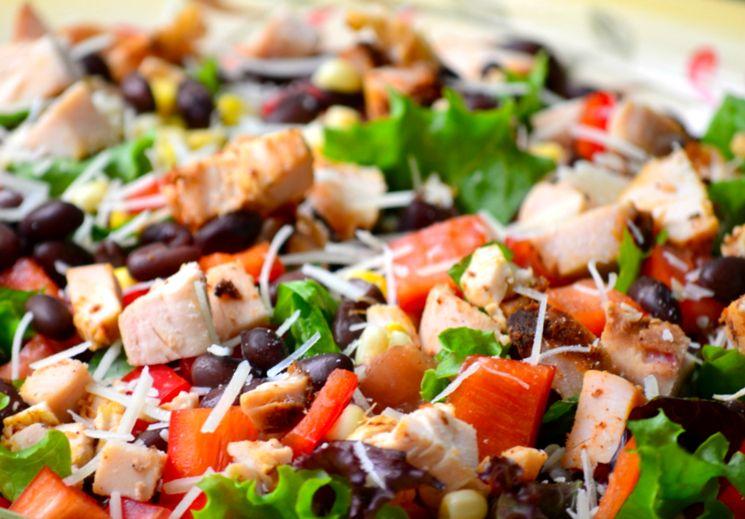 Рецепт салата из курицы с сыром