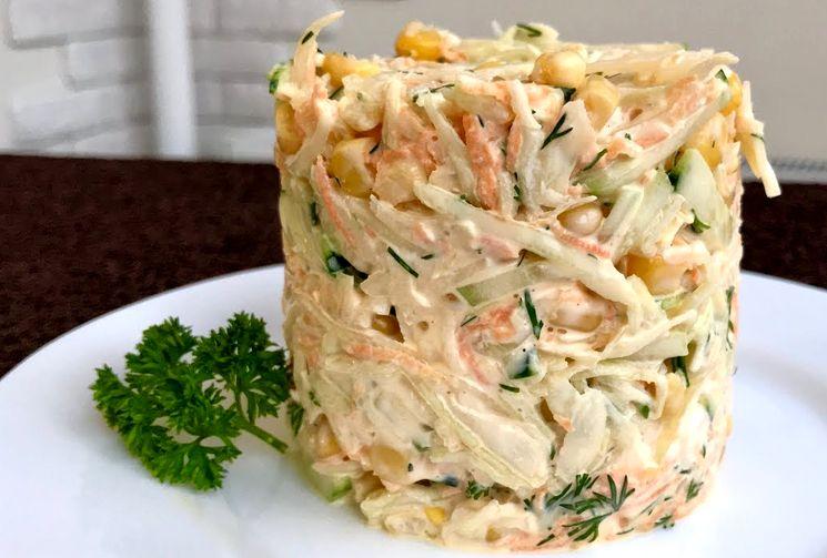 Вкусный и простой салат из свежих овощей