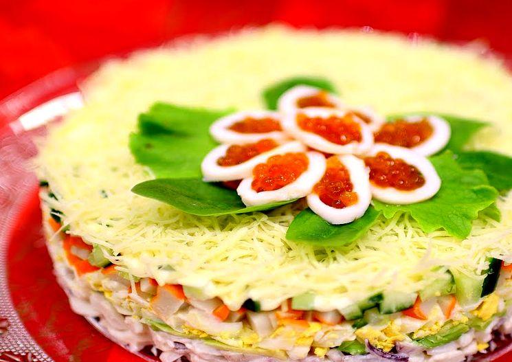 Готовим вкусный салат с кальмарами и авокадо