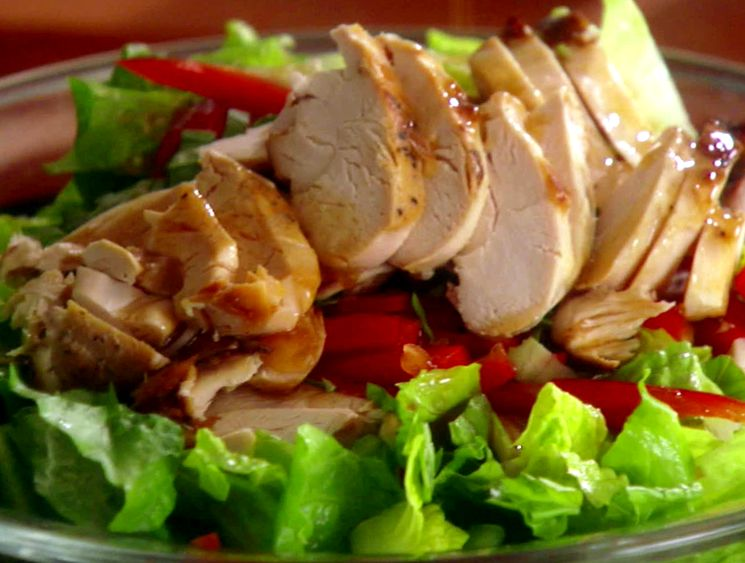 Рецепт салата-коктейля из филе копченой курицы