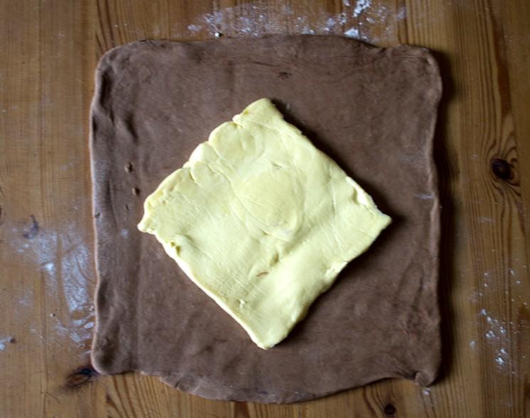 Шоколадное слоёное тесто своими руками