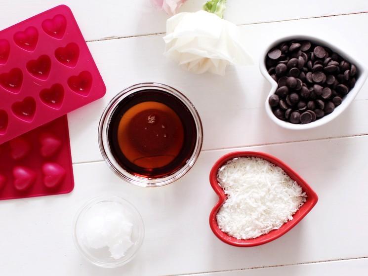 Ингредиенты для приготовления шоколадных конфет с кокосом