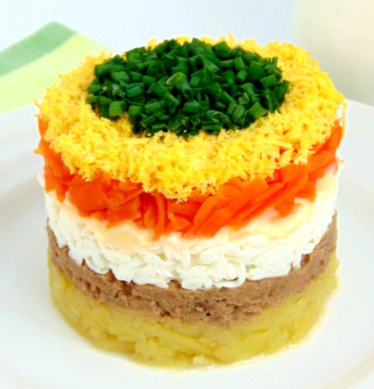 Слоёный салат Мимоза
