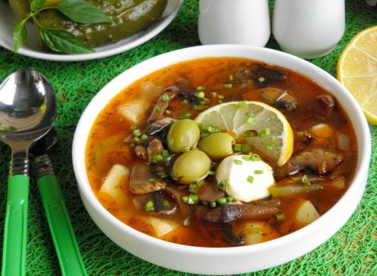 Суп-солянка с грибами