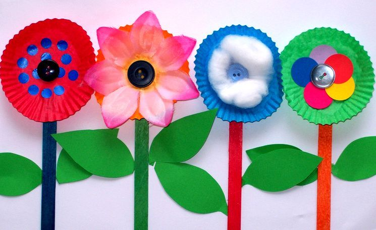 Цветы из бумаги - аппликация для школы