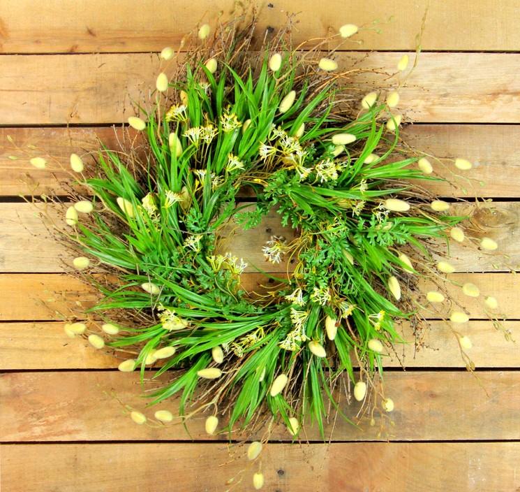 Цветы - украшение на Троицу