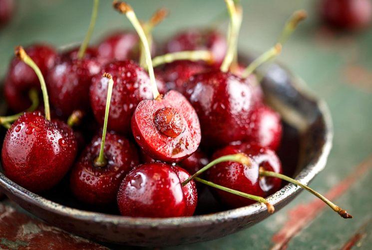 Рецепт компота из вишни с косточкой