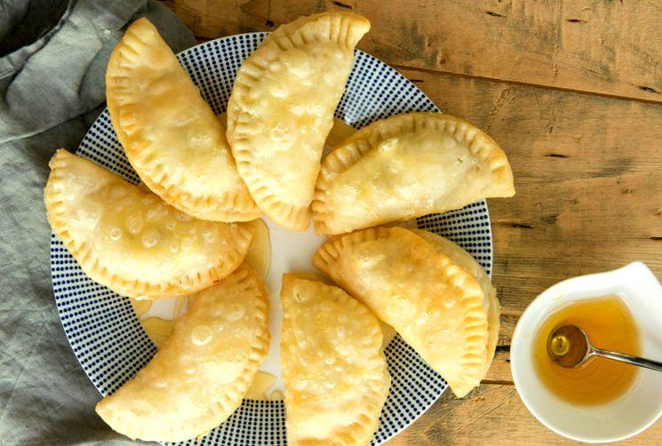 Рецепт жареных пирожков Панцеротти
